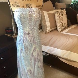 Beautiful strapless Sequin and tulle dress
